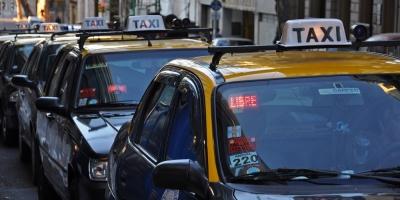 Taxis firman acuerdo para que usuarios puedan pagar con tarjeta