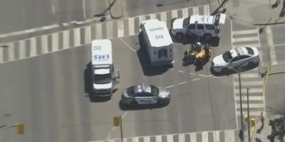 Furgoneta arrolla a un grupo de personas en Toronto y se da a la fuga