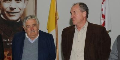 Mujica ofrece candidatura a Murro
