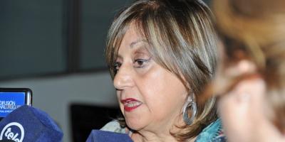 Primaria aparta del cargo a directora denunciada por agredir a niños