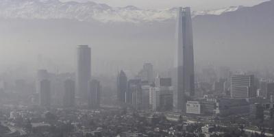 Tres heridos al caer avioneta en Santiago de Chile