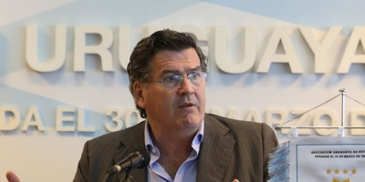 Clubes acuerdan elaborar nuevo estatuto para adecuar AUF a FIFA