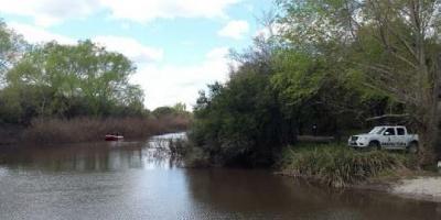 Buscan a un peón rural que desapareció en las aguas del Río Negro