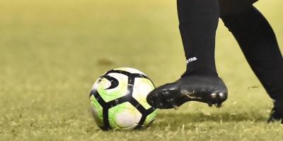 Católica derrota a Colo Colo y da tremendo paso en su lucha por el título