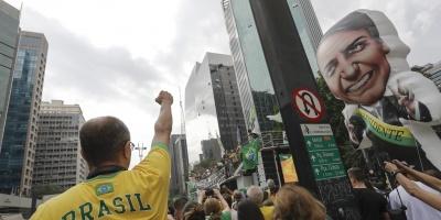 Ultraderechista Jair Bolsonaro amplía ventaja para presidenciales en Brasil