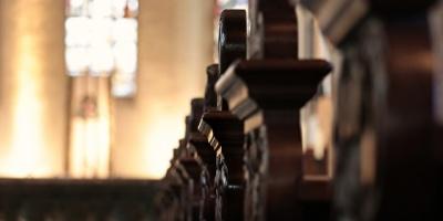 Arzobispo de Santiago acude pero no declara ante Fiscalía por encubrimiento