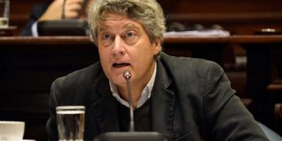 Sector de Michelini respalda postergar definición de candidatos en el FA