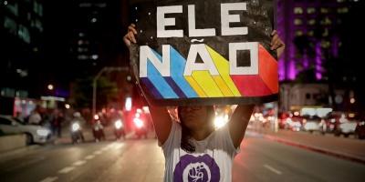 Cientos de brasileños marchan en defensa de la democracia en su país