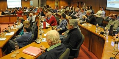Caja Militar: Bancada oficialista inicia reuniones tras definición de Vázquez