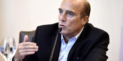 Martínez se reunirá con varios sectores tras oficializar precandidatura