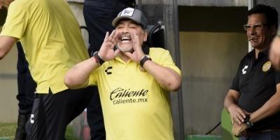 Maradona sufre una artritis severa y debe operarse, según su médico