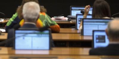"""Gobierno brasileño dice que """"no hay anonimato"""" para quienes crean """"fake news"""""""