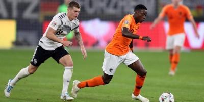 Holanda empata en Alemania y arrebata a Francia la plaza en la fase final