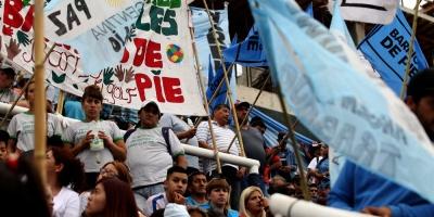 """Movimientos sociales de Argentina reclaman """"fuera G20"""" a días de la cumbre"""