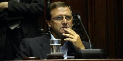 Tribunal del FA cuestionó a De León por uso de tarjeta corporativa estando de licencia