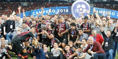 Paranaense gana en los penales su primera Copa Sudamericana