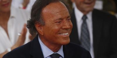 Academia de Grabación de EE.UU. rinde homenaje a la carrera de Julio Iglesias