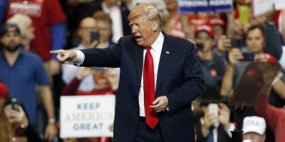 """Trump considera """"locos lunáticos"""" a periodistas que critican su presidencia"""