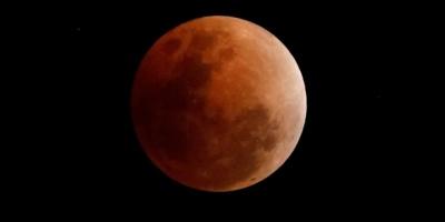 La Luna se teñirá de rojo