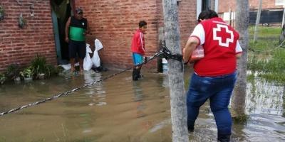Permanecen aisladas 500 familias por inundaciones en el norte de Argentina