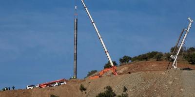 Surgen dificultades en túnel para rescatar al niño caído en un pozo en España