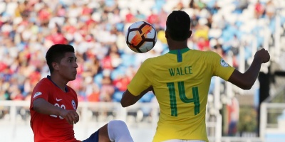 Chile tumba a Brasil y pone el grupo A al rojo vivo