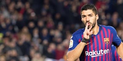 Suárez cumple 32 años: Su esposa lo piropea en las redes y el Liverpool le rinde homenaje