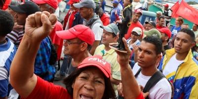 Venezuela dice que EE.UU. ha retirado al personal de su embajada en Caracas