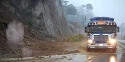 Deslizamientos en el sur de Perú dejan cinco muertos en Arequipa