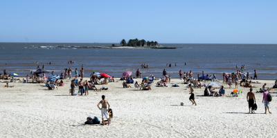 Uruguay recibió menos visitantes pero gasto de turistas creció un 15% en enero