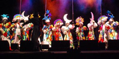 Continúan los espectáculos en los escenarios móviles de Carnaval