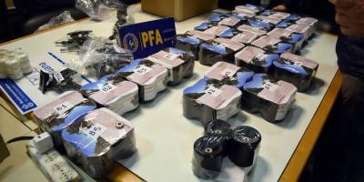 Desarticulan banda argentina que traficaba cocaína en ruedas de monopatines
