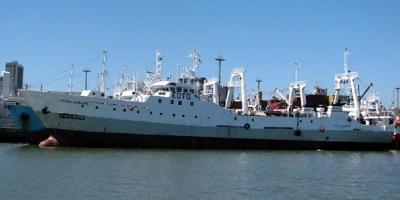 Barco chino se hunde en la costa argentina tras chocar con pesquero español