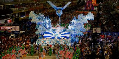 El carnaval agita las calles de Brasil
