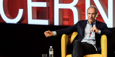 Creador de la World Wide Web insta a proteger su futuro en su 30 aniversario