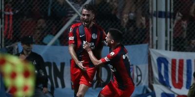 San Lorenzo vence al Melgar y pone un pie en los octavos de final