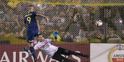 Boca goleó a Jorge Wilstermann y se perfila para los octavos de final