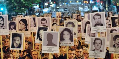 """Pit-Cnt y familiares de Desaparecidos se concentrarán """"en defensa de la democracia"""""""