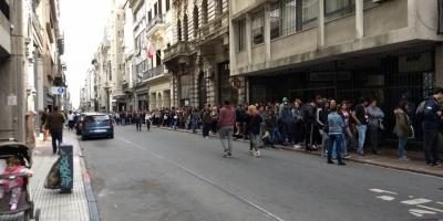 Extensas filas para tramitar la credencial cívica