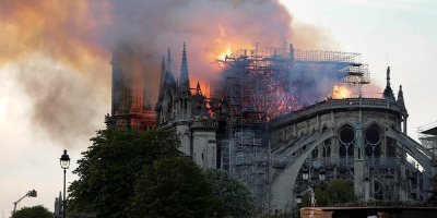 """Testigo en Notre Dame: """"es un sentimiento de impotencia y tristeza"""""""