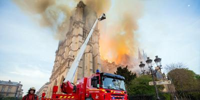 Las autoridades creen que el incendio de Notre Dame tuvo un origen accidental