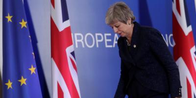 """May, presionada por sus ministros, retrasa la ley del """"brexit"""""""