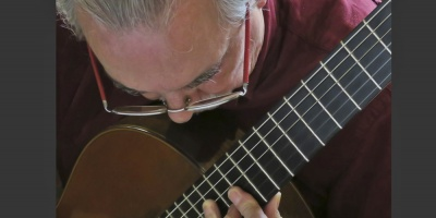 Concierto de guitarra del maestro Eduardo Fernández en el Auditorio Vaz Ferreira el 5 de junio