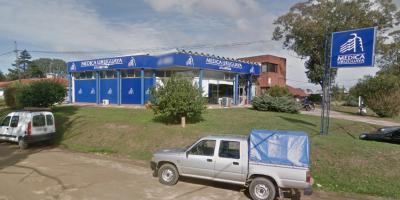"""Delincuentes asaltan la Médica Uruguaya de Atlántida y """"pidieron disculpas"""" al retirarse"""