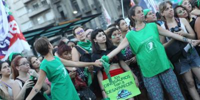 La campaña por el aborto legal vuelve al Congreso argentino en año electoral