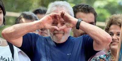 """Lula divulga carta del papa Francisco donde lo insta a """"no desistir"""" de la lucha"""
