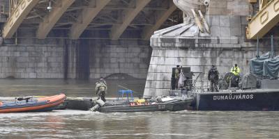 Siguen desaparecidos 21 turistas tras naufragio en el que murieron al menos 7 en Hungría