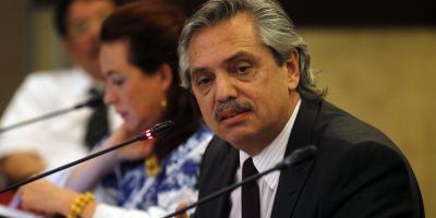 Precandidato presidencial argentino Alberto Fernández internado para chequeos