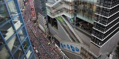 Decenas de miles de personas se manifestaron en Hong Kong en contra de la ley de extradición