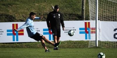 Uruguay entrena en doble turno
